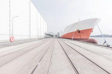 Identiteitsloze haven #1 van Maarten De Wispelaere