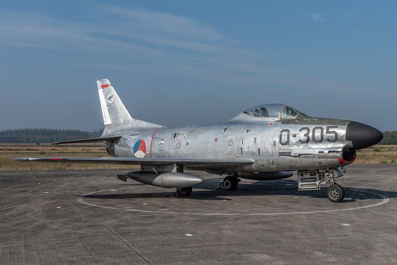 "North American F-86K ""Kaasjager"" tentoongesteld op het platform van het Nationaal Militair van Jaap van den Berg"