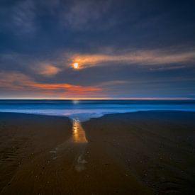 Zonsondergang aan het Noordzeestrand van Jenco van Zalk