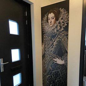 Klantfoto: Koningin Elizabeth van Bourbon, als naadloos behang