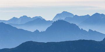 Die blauen Berge von Coen Weesjes