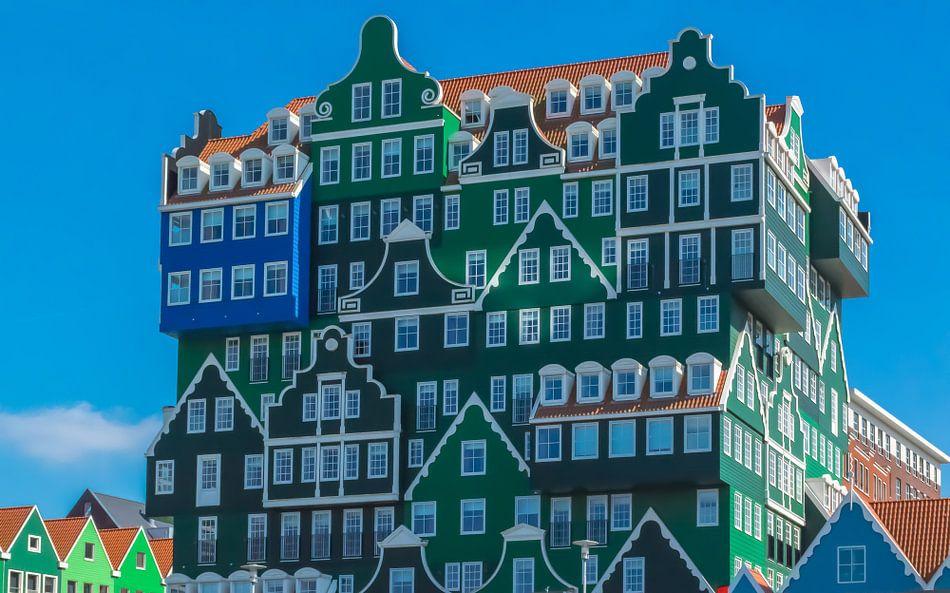 Moderne architectuur gebaseerd op oude cultuur, Zaandam, Nederland