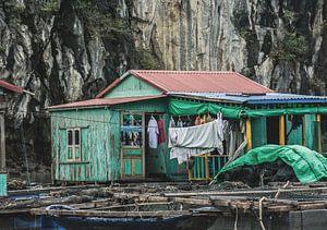 Drijvend dorp in Vietnam van Godelieve Luijk