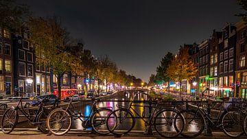 Oudezijds Voorburgwal te Amsterdam van Remco Piet