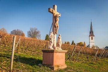 Kreuz in den Weinbergen bei Erbach im Rheingau van Christian Müringer