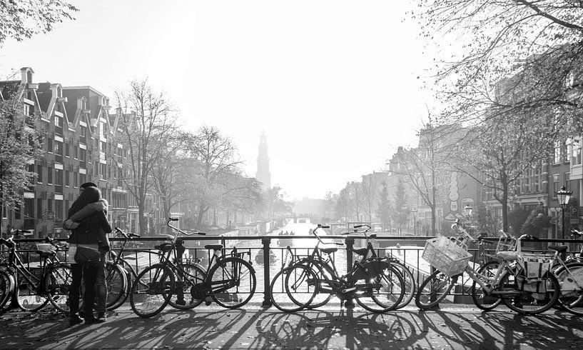 Love in misty Amsterdam van Wil Crooymans