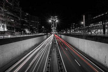 Zwart wit Citylights Den Haag van Wilco Bos