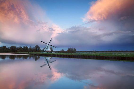 Stormy reflections van Olha Rohulya