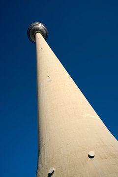 der Fernsehturm in Berlin von Heiko Kueverling