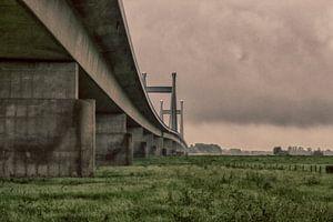 Waving bridge van