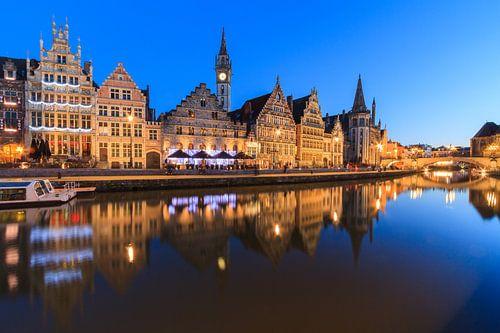 Graslei, Gent bij schemering von Marcel Tuit