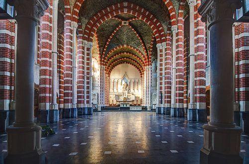 Kleurrijke kerk van Truus Nijland