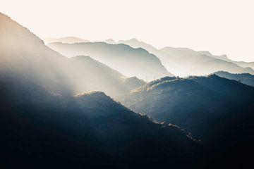 Französische Alpen mit Sonnenaufgang von Abby's Voyage