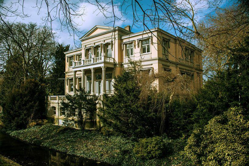 Oude villa in Rotterdam van Godelieve Luijk