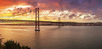 Lissabon und Brücke des 25. Apri