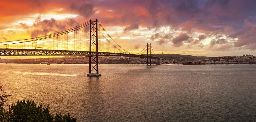 Lisbonne et le pont du 25ème Apri sur Frank Herrmann