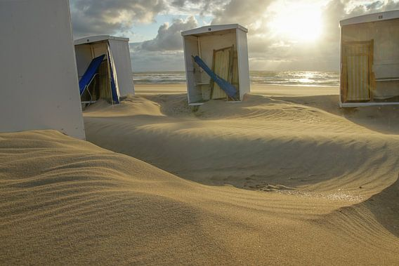 strandhokjes in katwijk van Dirk van Egmond