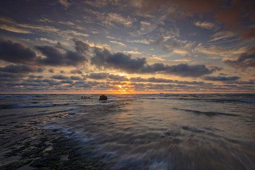 wolkenlucht langs de Noordzee van gaps photography