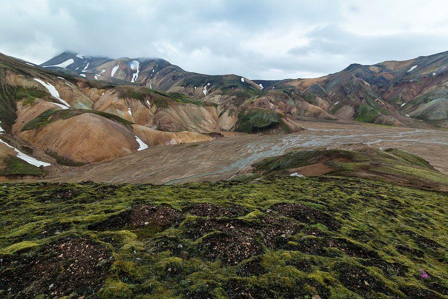 Berglandschap Landmannalaugar van Ab Wubben