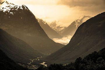 Norway mountains van Marc Hollenberg