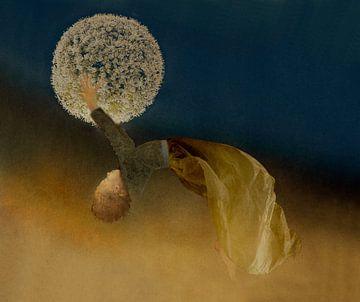 Schwebendes Mädchen von Marijke van Loon