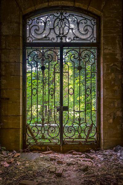 Ingangsdeur tot bureau central van Karl Smits