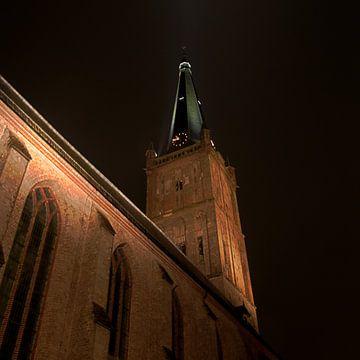 kerk van Staanwijk in de nacht von Robin Veenink