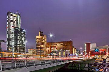 Rotterdam, ochtendspits op de Kop van Zuid van Frans Blok