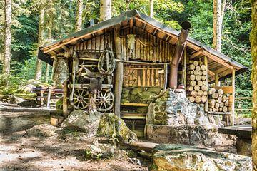 Oude werkplaats in Alpen van Mariette Alders