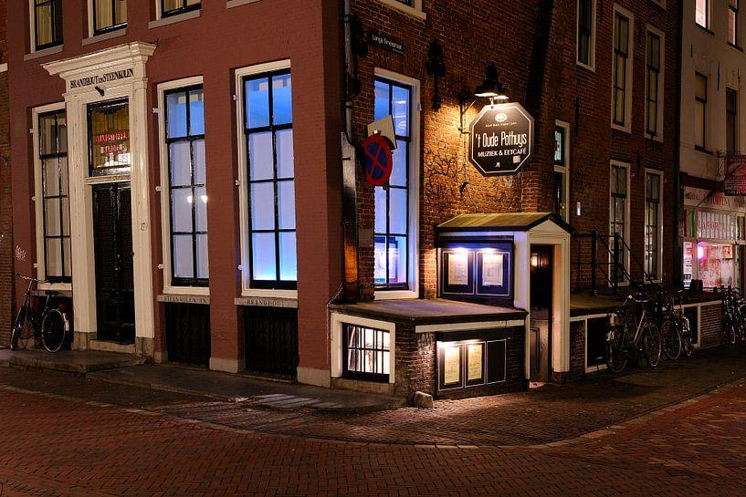 Muziek en Eetcafe 't Oude Pothuys aan de Oudegracht in Utrecht van Donker Utrecht