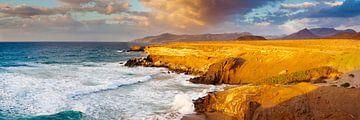Strand bij zonsondergang in Fuerteventura van Markus Lange