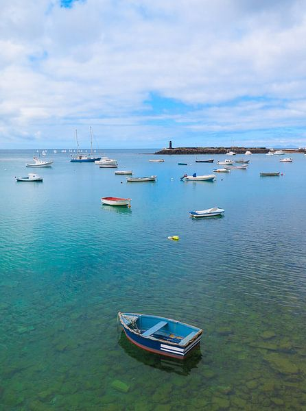 Haven van Arrecife, Lanzarote. van Hennnie Keeris
