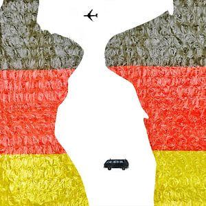 Deutsche Torsos (mit einem Flugzeug und einem VW-Bus)