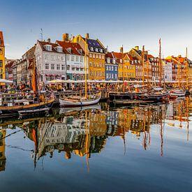 Nyhavn in Kopenhagen van Koen Henderickx