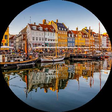 Nyhavn in Kopenhagen van Easycopters