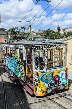 Tram 2 Lissabon Portugal von Jurgen Hermse
