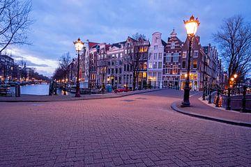 Amsterdam sur le Keizersgracht au coucher du soleil sur Nisangha Masselink