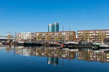 Utrecht, Veilinghaven met de nieuwe wijk Parkhaven, erg mooie reflectie