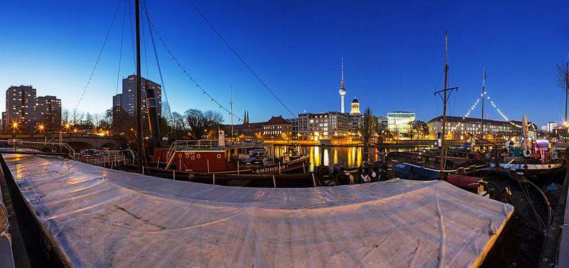 Le port des musées à Berlin sur Frank Herrmann