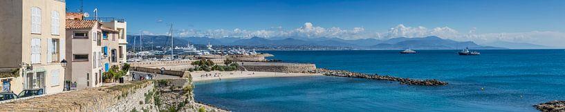 ANTIBES Coastline | Panoramic van Melanie Viola