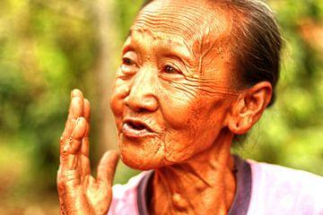 Balinese vrouw  van Vivian Raaijmaakers