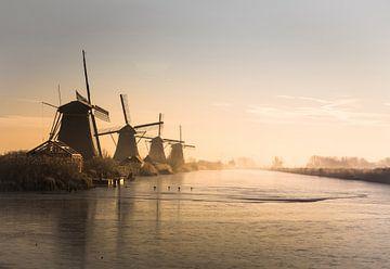 Sonnenaufgang bei Kinderdijk in Holland von Claire Droppert