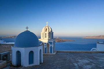 Blaue Kuppeln, blaues Meer, Santorini