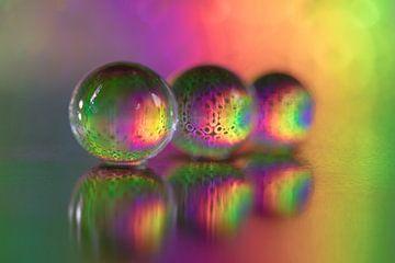 Druppels in bonte kleuren van Marianne Twijnstra-Gerrits