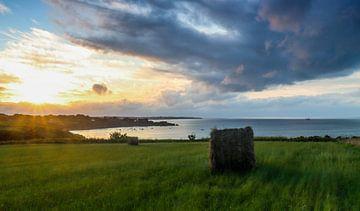 Coucher de soleil sur l'île de Belle Ile en Mer en Bretagne, France
