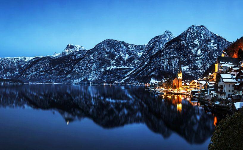 Hallstatt met alpenpanorama van Frank Herrmann