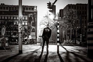 Warten im sonnigen Rotterdam von Marco Bollaart