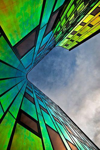 Rainbow Building van