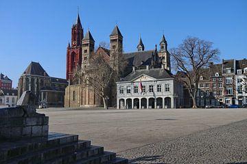 Vrijthof, Kirchengruppe mit Hauptwache. von John Kerkhofs