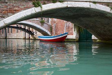 Onder de brug Venetië  van Charlie Raemakers
